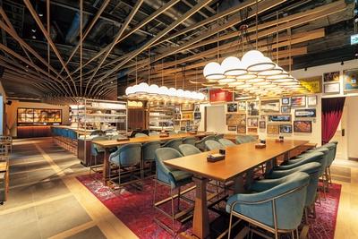 洗練されたオトナの遊び場をイメージした店内/クロスホテル京都 KIHARU Brasserie