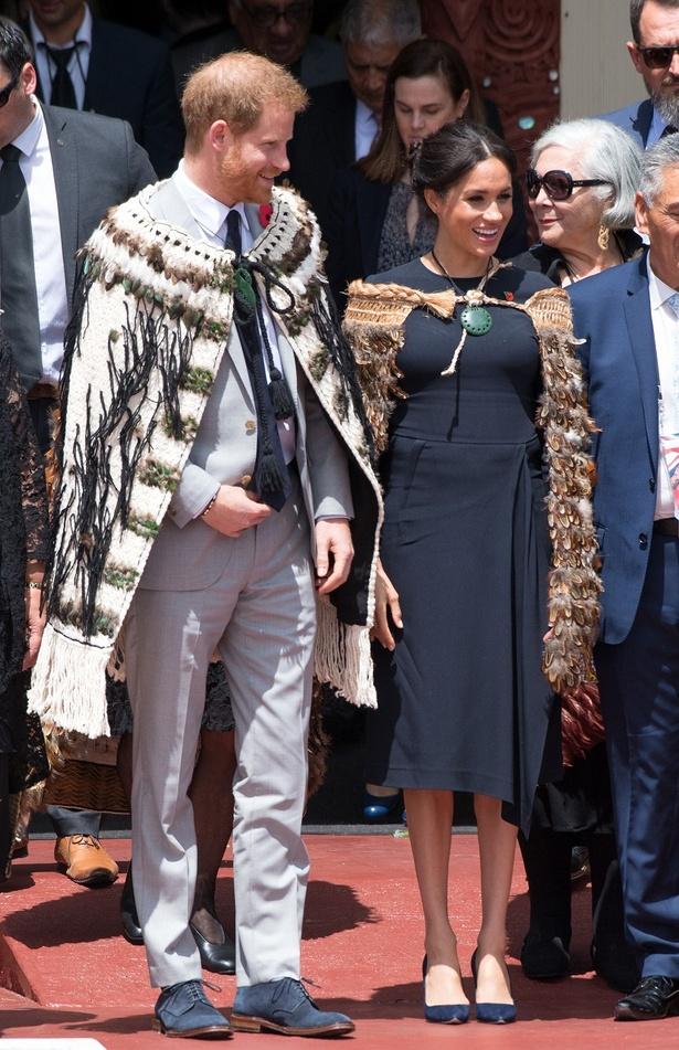 【写真を見る】オセアニアでのメーガン妃の衣装総額が1730万円!?驚きの額に厳しい声も…