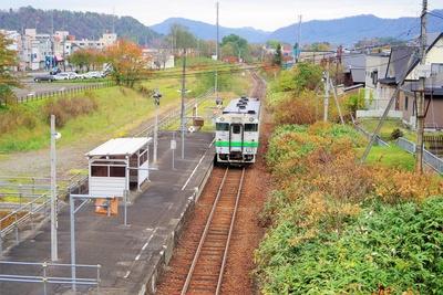 夕張支線の清水沢駅はかつて線路が複数あり、私鉄「三菱石炭鉱業」の路線も発着していました