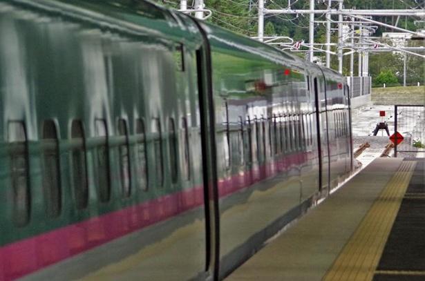 新函館北斗駅の北側はすぐに車止めがありますが、いずれはこの先が札幌駅へ!