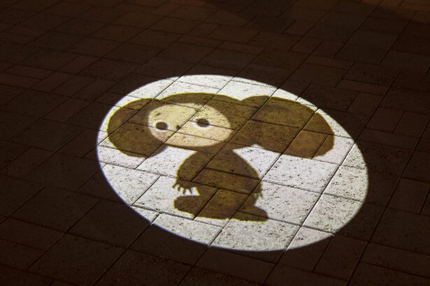 ウェルカムアプローチでは、チェブラーシカのムービングライトに注目!いろいろな表情が見られるぞ