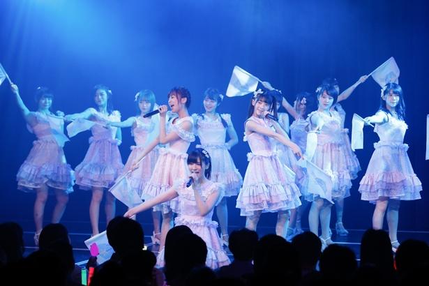 『海を渡れ!』を披露するNGT48