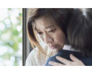 エゴと純粋な愛がもたらす母親の暴走を体当たりで演じる篠原涼子。徐々に制御不能になっていく心情がミステリーです。終盤の錯乱演技も圧巻だった!
