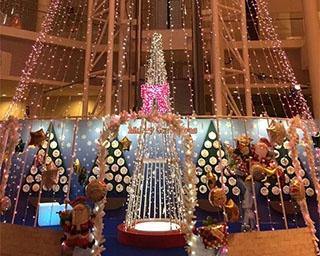 山形県山県市で展望ロビーがまるで星空の空間のように!「クリスマスイルミネーション 2018」