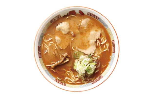 コク深く、あっさりした味わいのしょうゆ ラーメン(750円)。低加水の麺もスープによく合う