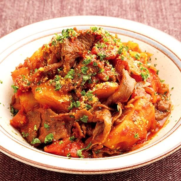 ハヤシライス風な味つけの「洋風トマト肉じゃが」もおすすめ♪