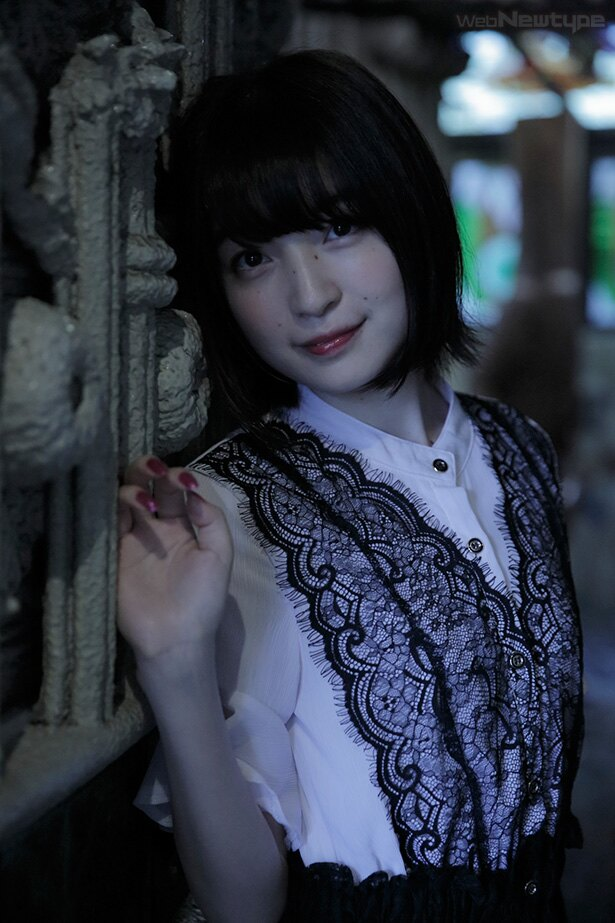 上田麗奈フォトコラム・魔女が棲む異形の集合住宅で