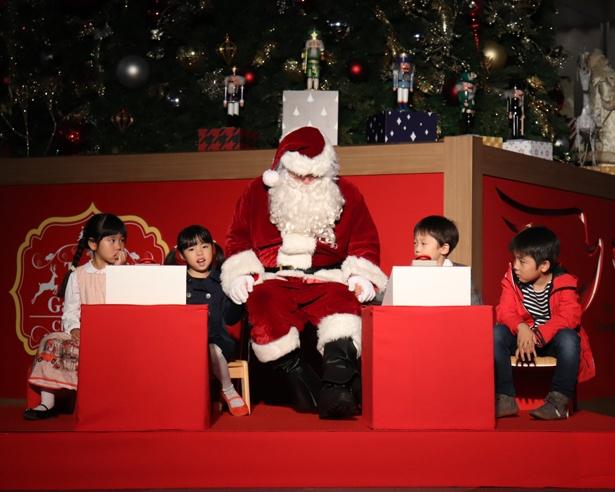サンタクロースも登場し、会場を盛り上げた