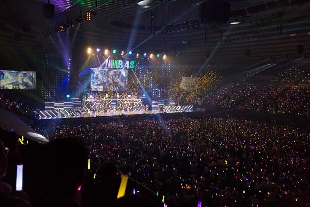 【写真を見る】大阪城ホールには1万人のファンが集結!