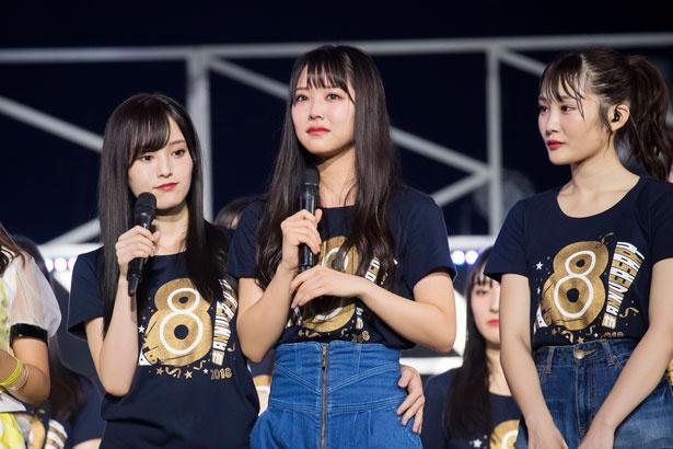 悩みを告白した白間美瑠(中央)。左は山本彩、右は川上礼奈