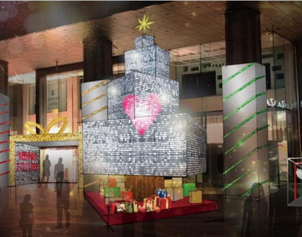 岩田屋本店 / 本館正面玄関入口が、巨大なギフトボックスに見立てたクリスマス特別仕様のデコレーションに!