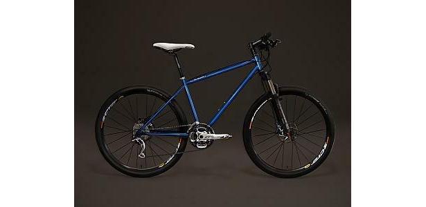 細部にこだわった本物志向のクロスバイク(36万円、99台限定)