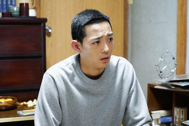 【写真を見る】後半に登場する成長した与太郎は、髪も
