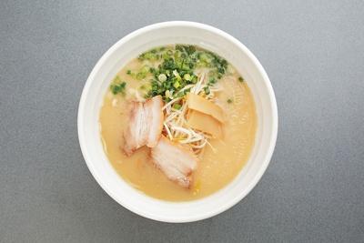 ラーメンきむら 大淀店 / 「塩ラーメン」(650円)。あっさりしたスープとツルツルした麺の相性は抜群