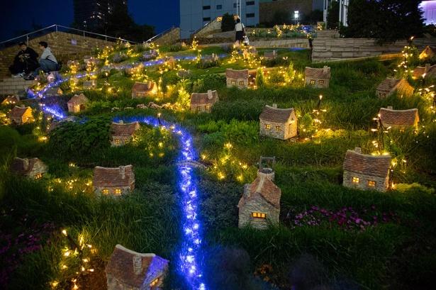 ミニチュアハウスと植栽が可愛いサンシャインビレッジがクリスマスバージョンになって登場