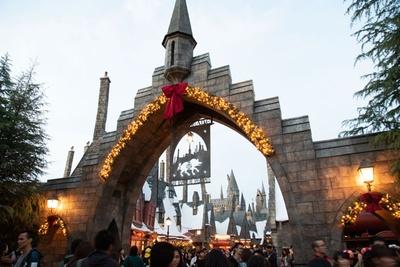 魔法界もクリスマスの装いに変身