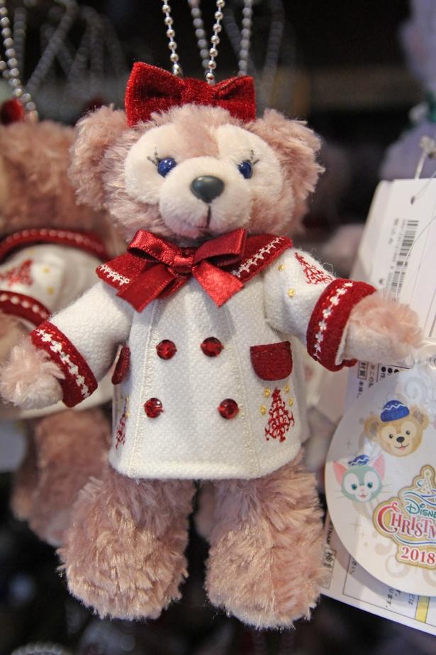 シェリーメイの「ぬいぐるみバッジ」(1900円)も「イッツ・クリスマスタイム!」とおそろいの衣装。この他にジェラトーニ(1900円)、ステラ・ルー(2000円)もあり