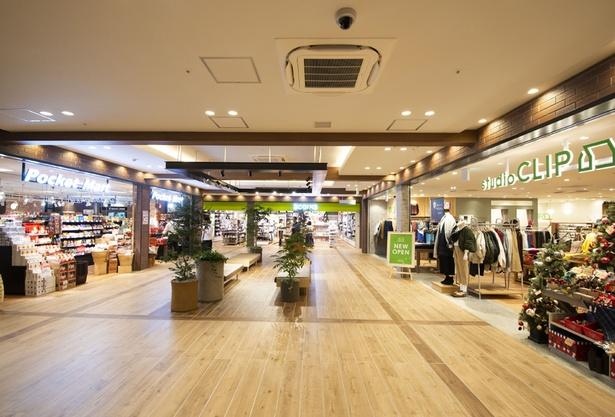 セレクトショップや、ファッションなど3店舗が入ったフロア
