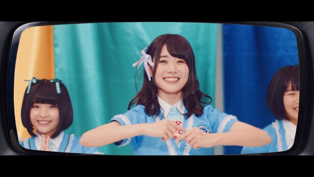 「やるっきゃない!2018」MVでの、もえちゃん(鶴見萌)