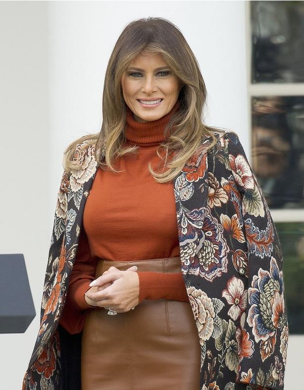 メラニア米大統領夫人のおしゃれすぎる出で立ちが絶賛