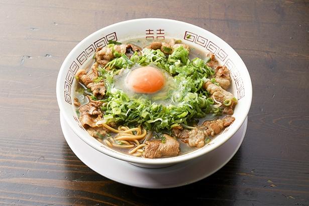 新福菜館の「肉スペシャルラーメン」