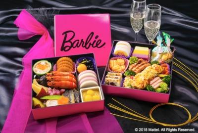「バービー和洋おせち二段重 限定バービーセット」(3万4560円)