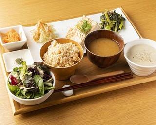 横浜・元町のオーガニック定食でデトックス!体にやさしい安心デリカフェ