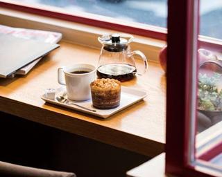 【福岡のカフェ】注文後の焙煎により鮮度のよい豆を「IENA COFFEE 警固店」