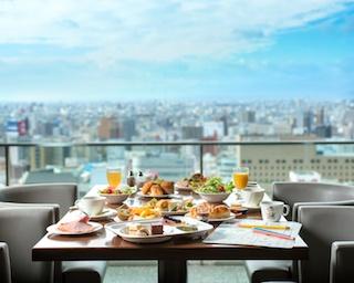 名古屋の街を眼下に収めてひと息。名古屋マリオットアソシアホテルが生み出すリッチな朝食空間