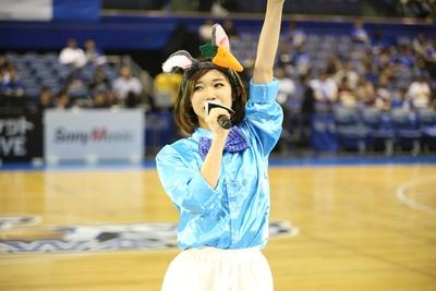 10月24日の富山戦でウサギのコスプレで登場したRYOKA※10月のハロウィンイベント時の衣装
