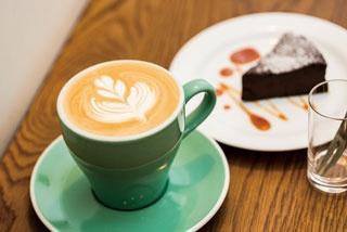 【福岡のカフェ】淹れる人の心、経験が味わいに表れる「Étoile coffee」