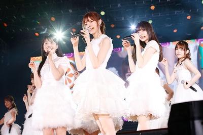 【写真を見る】12月1日開催の上海公演の様子