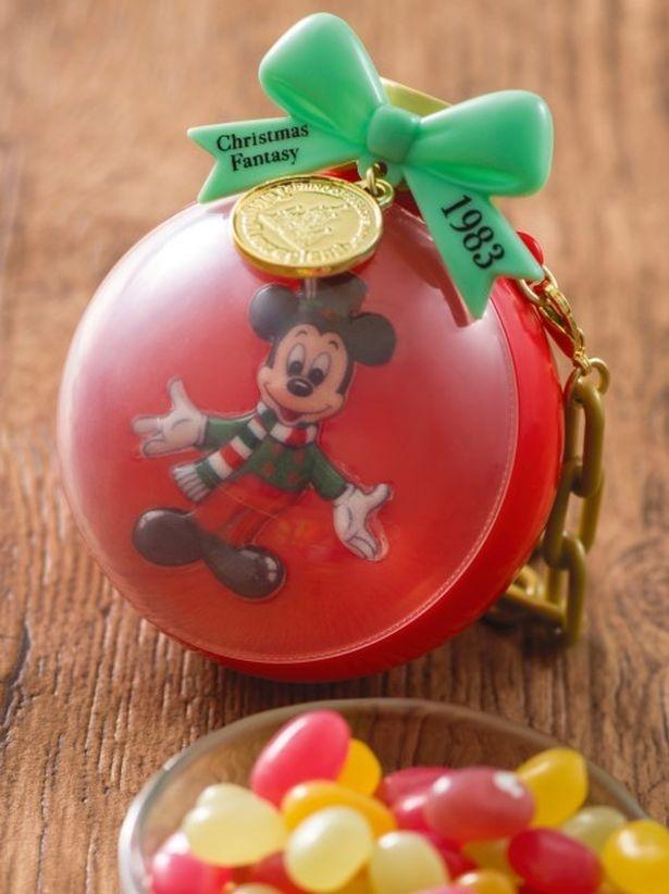 カラフルなグミを入れられるスナックケース付きの「グミキャンディー」(800円)