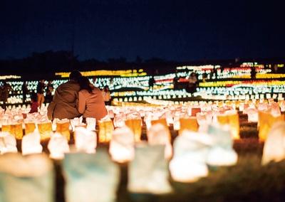 「うみなかクリスマス キャンドルナイト」(海の中道海浜公園)と合わせてキャンドルを点灯する