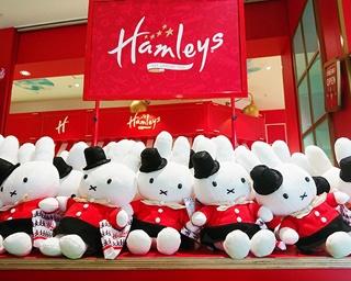 横浜ワールドポーターズの1Fと2Fに登場する「ハムリーズ」