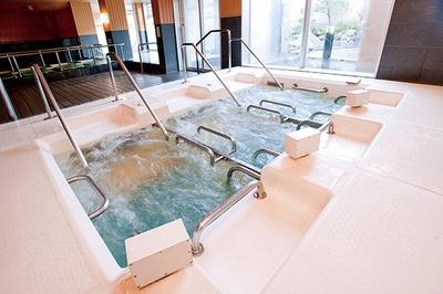 天然温泉 コロナの湯 小倉店 / 強力な水流を生む「アクアレビュー」