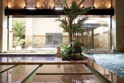 天然温泉美人の湯 華の湯ヒブラン / 主浴場のほか、ジェットバス、白湯など湯舟も充実