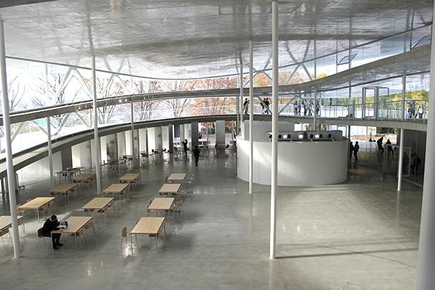 新校舎1階の共有スペース