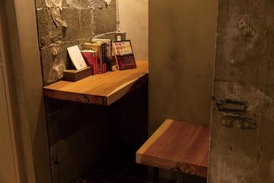 「ホテル内には『あの人の本箱』が点在しています」(嶋村)/箱根本箱