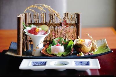 「お食事にもこだわりが。旬を味わう魚は三河産が中心だとか」(嶋村)/灯屋 迎帆楼