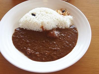 休暇村 志賀島 金印の湯 / 「金印カレー」(870円)。レストランで人気の志賀島のご当地グルメだ
