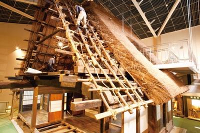 合掌ミュージアムは無料で見学可能。建築の過程を展示、解説している