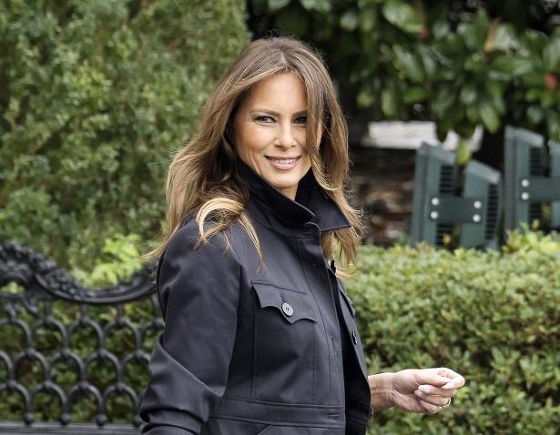 メラニア米大統領夫人のドレス&コートが絶賛