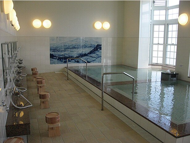 シーボルトの湯 / 地元客を中心ににぎわう嬉野温泉のシンボル