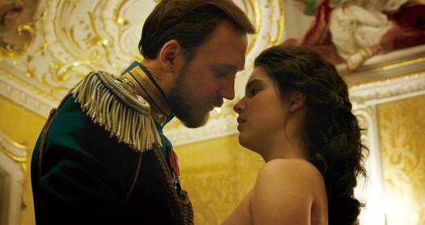 皇帝とバレリーナの禁断の恋の行方は…?