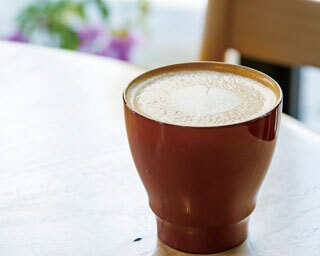 【福岡のカフェ】先駆者たる所以はカップの中にある「ハニー珈琲 高宮店」