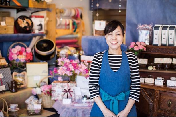 女性の焙煎士は業界では珍しい。板倉さんの人柄も同店の魅力
