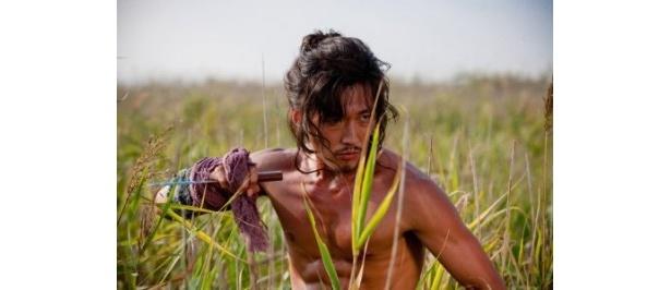 「推奴 チュノ」でチャン・ヒョクが放つ野性美は、男が見ても憧れる