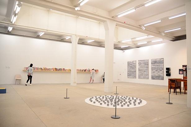 大館現代美術館(Tai Kwun Contemporary)では、世界中の現代アーティストの個展や企画展が開催される