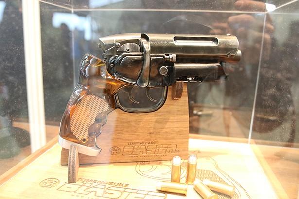 「留之助ブラスター」といった銃器類も充実していた